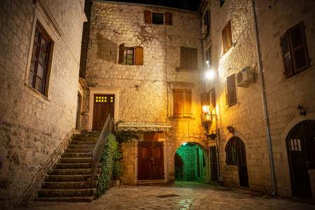 Street in Kotor Фото со стока
