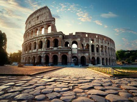 Strada per il Colosseo Archivio Fotografico