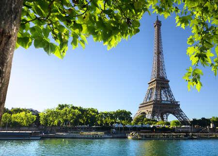Poranek w Paryżu