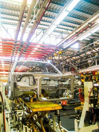 assembly: L?nea de montaje de coches Foto de archivo