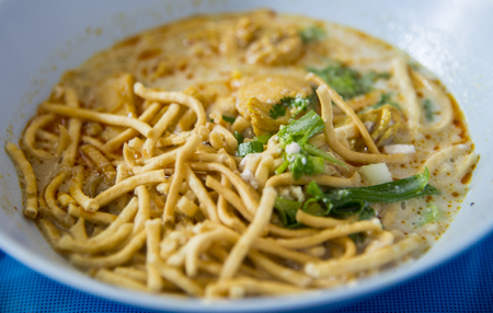 Egg Noodle in Chicken Curry