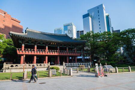 pavillion: SEOUL SOUTH KOREA  MAY 10 Bosingak Bell Pavillion on May 10 2015 in Seoul South Korea. Bosingak Bell Pavillion used for open and close city door