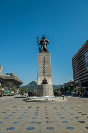 millitary: SEOUL SOUTH KOREA  MAY 16 Statue of Admiral Yi Sunshin in Gwanghwamun Square on May 16 2015 in Seoul South Korea. Admiral Yi Sunshin who is leader for fighting with Japanese millitary