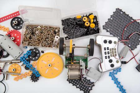 STEM ou DIY science kit definem fundo branco. Foto de archivo - 94187636