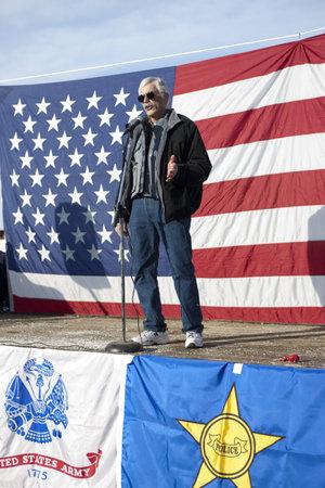 amendment: Coeur d'Alene, Idaho - 19 de enero de 2013. Idaho representante estatal Ron Mendive habla a la multitud durante la manifestaci�n pro segunda enmienda en Coeur d'Alene, Idaho para protestar pac�ficamente la legislaci�n de control de armas.