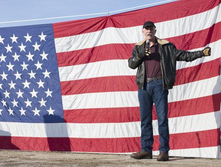 amendment: Coeur d'Alene, Idaho - 19 de enero de 2013. Brent Regan le habla a la multitud durante la manifestaci�n pro segunda enmienda en Coeur d'Alene, Idaho para protestar pac�ficamente la legislaci�n de control de armas.