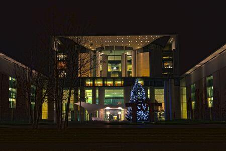 chancellerie: Chancellerie allemande de nuit Banque d'images