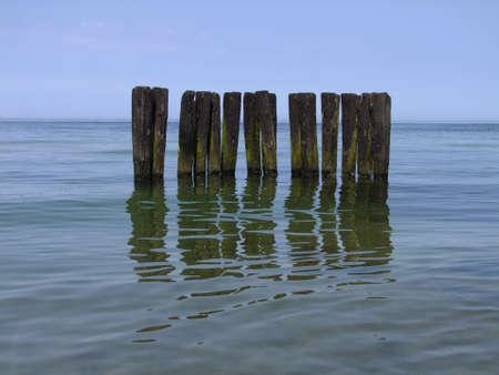 breakwater: rompeolas, Polonia, Mar B�ltico Foto de archivo