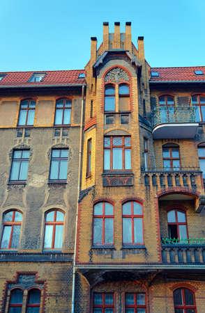 clinker: Clinker sulla facciata del palazzo in stile Liberty a Poznan Archivio Fotografico