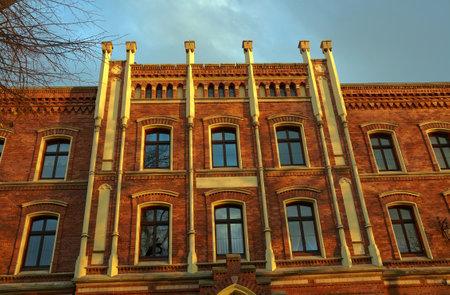 clinker: Facciata residenza clinker in Jawor in Polonia Editoriali