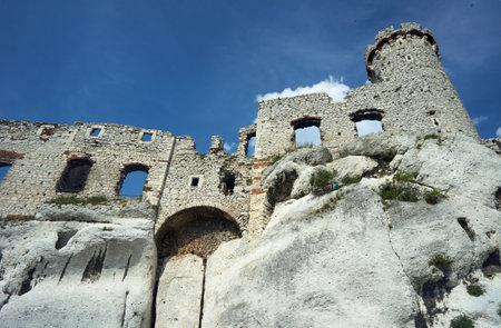 ogrodzieniec: Tower of the ruined castle in Ogrodzieniec