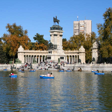 sightseeng: Monument Alfonso XII in Retiro park of Madrid