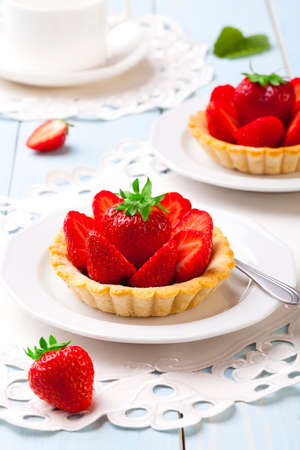 Home made tartlets with strawberries photo