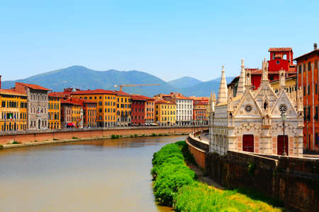 river arno: Embankment of The River Arno in The Italian City of Pisa