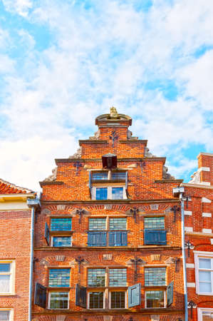 The Flemish Gable in the Dutch City