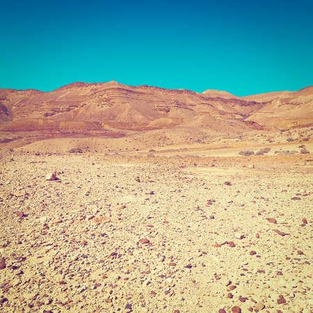 desierto: Las colinas rocosas del desierto de Negev, en Israel, Efecto Instagram