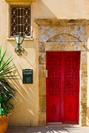 resplendence: Post Box near the Metal Door in Tel Aviv