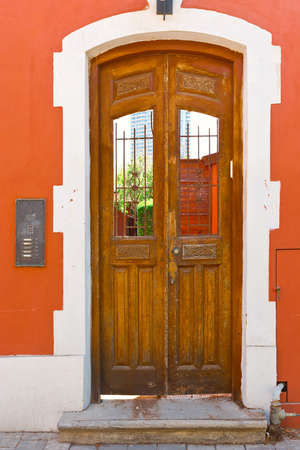 resplendence: Door without Glass in Tel Aviv