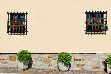 resplendence: Italian Windows Decorated with Fresh Flowers