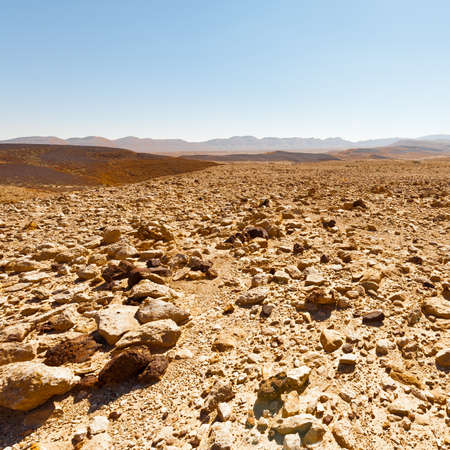 canyon negev: Stones of Grand Crater in Negev Desert, Israel