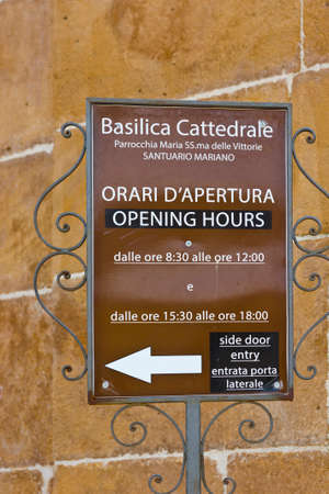 opening hours: Opening Hours of Cathedral in the Sicilian City of Piazza Armerina