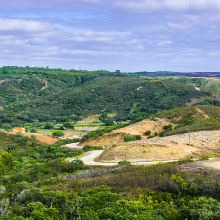 Portuguese Atlantic Ocean beach. Breathtaking landscape and nature of the Portugal, popular travel destination in western Europe. 免版税图像