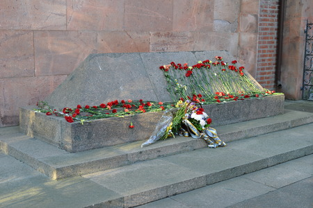 immanuel: KALININGRAD, RUSSIA - APRIL 26, 2014  Tomb of the famous German philosopher Immanuel Kant in Kenigsberg cathedral