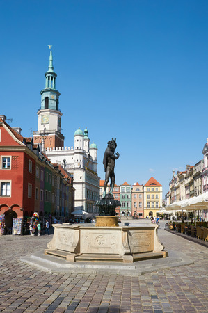 stary: POZNAN, POLAND - AUGUST 20, 2015: Sculpture of Apollo, Old Market Square at the city center, Stary Rynek
