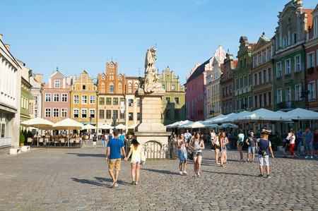 rynek: POZNAN, POLAND - AUGUST 20, 2015: Old Market Square at the city center, Stary Rynek