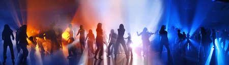 euphoric: Ballare la gente in una discoteca Archivio Fotografico