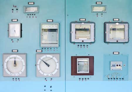 Panneau de contrôle avec l'instrumentation. Salle de contrôle.