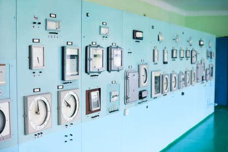 panel de control: Panel de control con la instrumentaci�n. Sala de control.