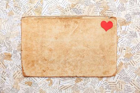 grunge thẻ giấy với trái tim. Valentine