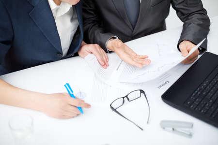 legal document: Cierre de negocios en la discusi�n Foto de archivo