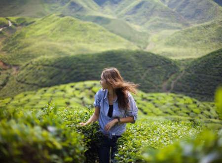 freedom girl in mountains Foto de archivo