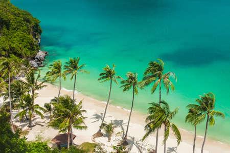 ave del paraiso: Playa del paraíso en la isla tropical. Ang Thong Parque Nacional Marino, Tailandia. Vista superior