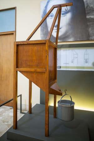 leonardo da vinci: MILAN, ITALY - JUNE 9, 2016: tensile strength of wire models of Leonardo da Vincis scientific studies displayed at the Science and Technology Museum Leonardo da Vinci Editorial
