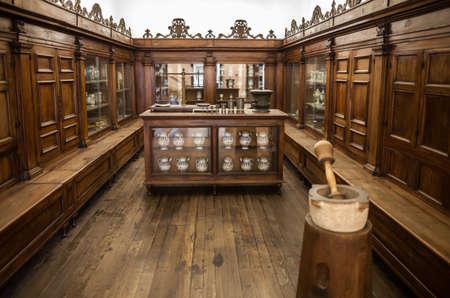 leonardo da vinci: MILAN, ITALY - JUNE 9, 2016: old phramacy at the Science and Technology Museum Leonardo da Vinci Editorial