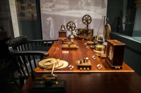 MILAAN, Italië - 9 juni 2016: werkplek van telegrafist op het Science and Technology Museum Leonardo da Vinci