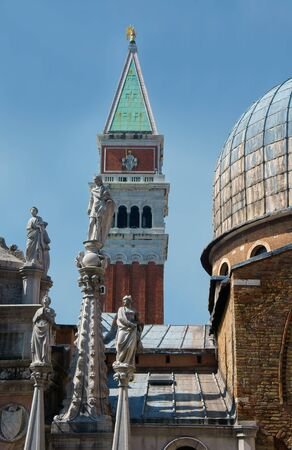 campanile: Statues of the Cathedral of San Marco in Venice. Italy Stock Photo