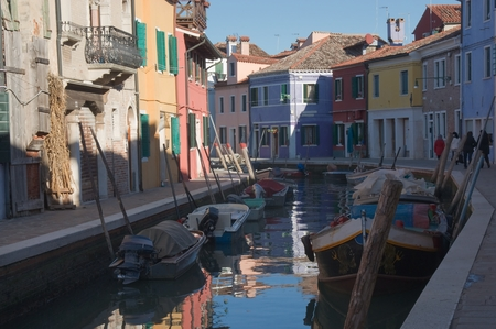 case colorate: Colorful houses on the island of Burano near Venice