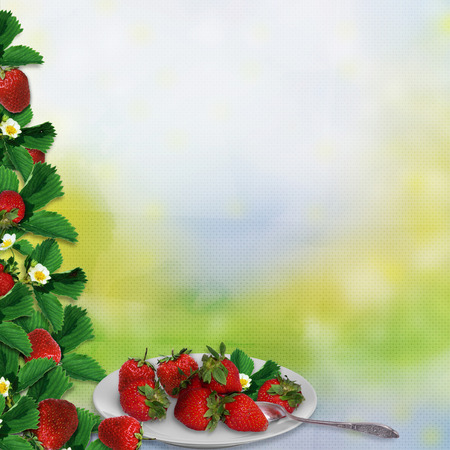 Border of leaves and berries of strawberries, a plate with berries on a vintage background Imagens