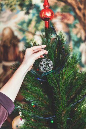 Berühmt Beleuchteter Draht Weihnachtsbaum Galerie - Elektrische ...