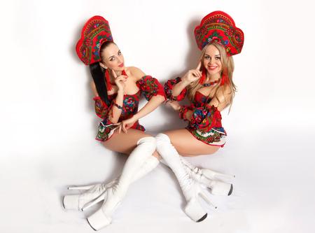 big boobs: Go-go dancers Dos atractivas chicas sexy en trajes fetiche Studio foto