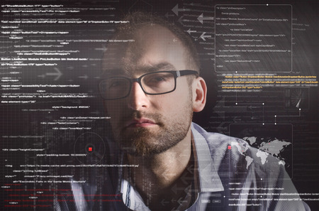 hacker silhouet met grafische user interface rond Stockfoto