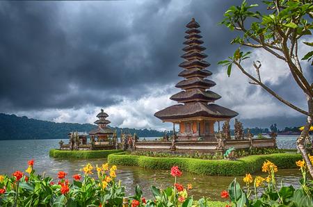 ulun: Pura Ulun Danu Bratan, Hindu temple on Bratan lake, Bali, Indonesia