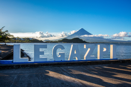 Mayon volcano,view from Legazpi Boulevard view point,Philippines Imagens