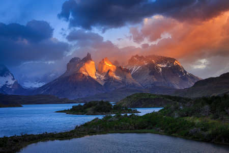 torres del paine: Epic beauty of the landscape - the National Park Torres del Paine in southern Chile. Stock Photo