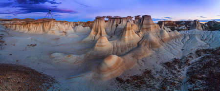 four corners: Sunset at Bisti Badlands in De-Na-Zin Wilderness, New Mexico, USA. This is a rolling landscape of badlands which offers some of the most unusual scenery found in the Four Corners Region.
