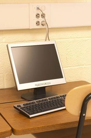 computer on desk Imagens